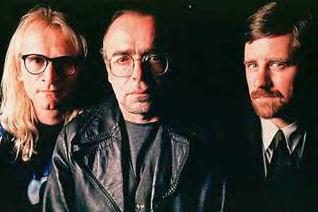 The-Lone-Gunmen-10