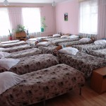 orph room many beds